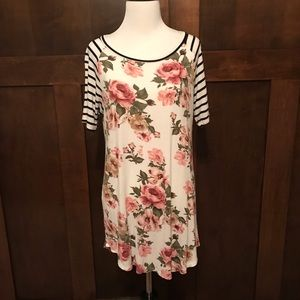 First Look Floral Top Size Medium